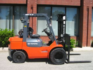 2006 Toyota 6500 Lbs.  7fgu32 Pneumatic Forklift Fork Lift Truck 1829 Hours photo