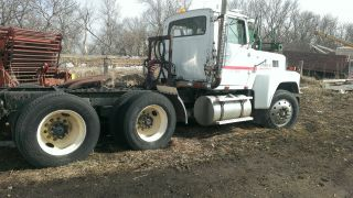 1985 Ford L9000 photo