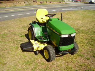 John Deere Gt 275 17 Hp Hydrostatic Drive Riding Mower photo