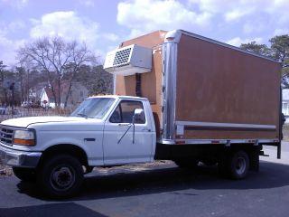 1995 Ford Duty Box Truck photo