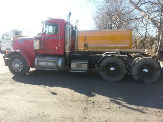 2000 Peterbilt 378 Tandem photo