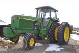 1992 John Deere 4760 Tractor photo