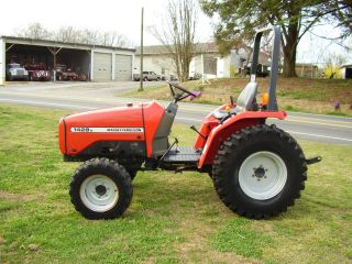 Massey Ferguson 1428v 4 X 4 Tractor 235 Hours photo