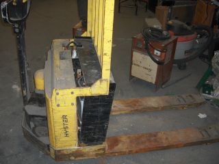 Hyster W40xt Electric Pallet Jack photo
