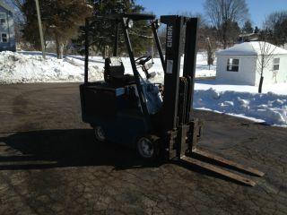 Clark Electric Forklift Ec500 - 45f - 4,  500 Lb Capacity photo