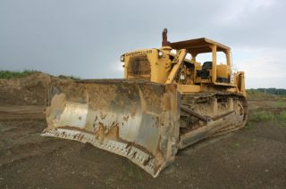 Caterpillar D9g Dozer.  Cat D9g Dozer,  Dozer With Ripper photo