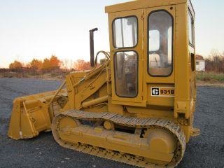 Caterpillar 931 Track Loader photo