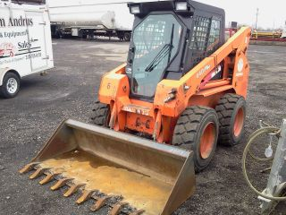 2005 Daewoo 440 Plus With 3 Attachments photo