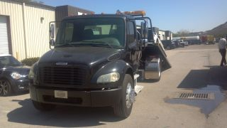 2005 Freightliner M2 Class 106 photo