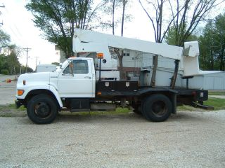 1998 Ford F800 photo