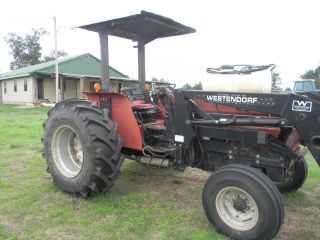 Case International 885 Tractor photo