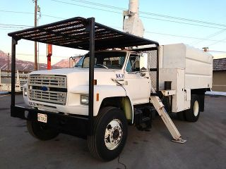 1993 Ford F700 photo