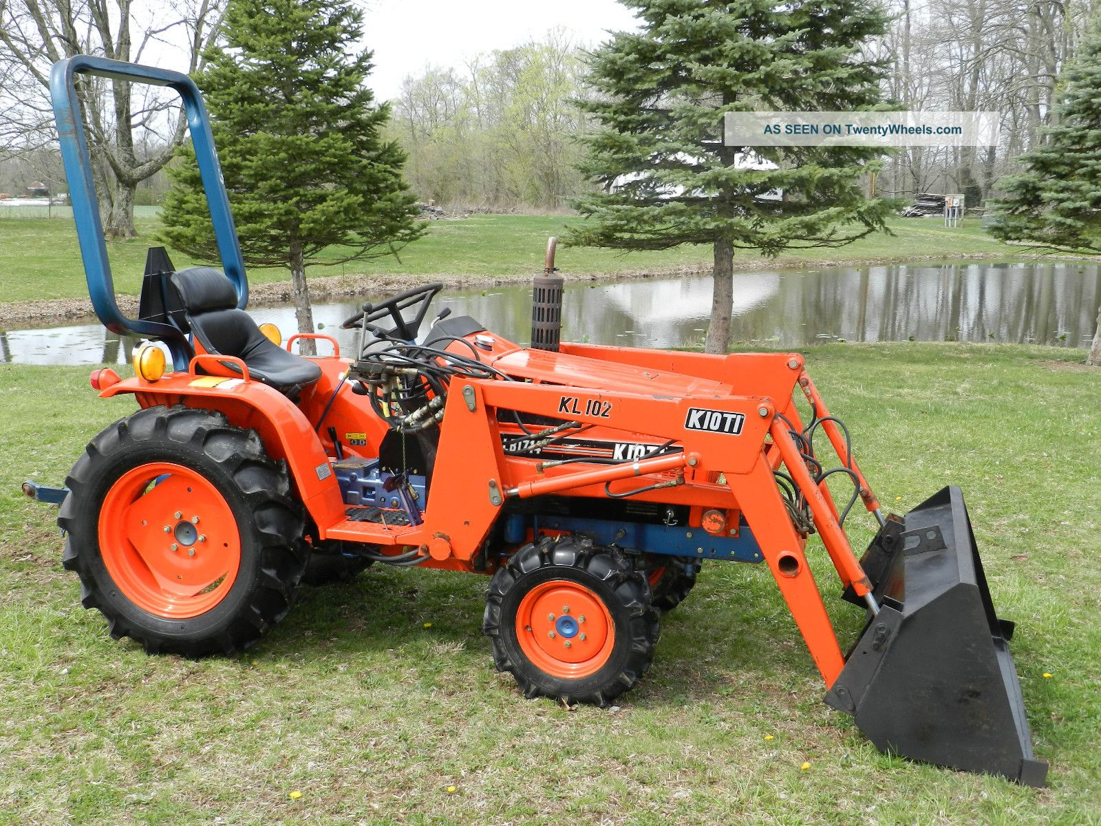 Small Tractors With Loaders : Small tractor with loader bucket foto bugil bokep