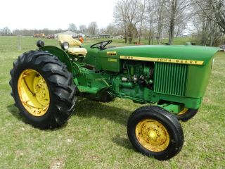 John Deere 1520 Tractor - Gasoline - photo