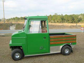 Cushman Truckster photo