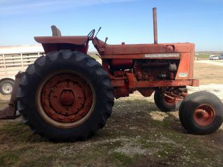 1968 Farmall International 806 Tractor photo