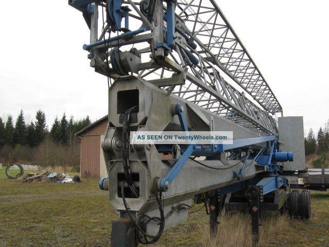 Benazzato Self - Erecting Hydralic Crane Bank Repo Cranes photo