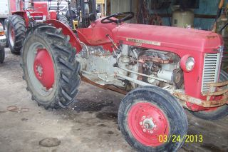 Ferguson 35 Deluxe Tractor photo