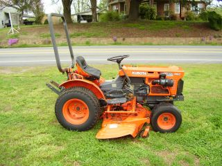 Style Kubota B7100 4 X 4 Hydrostatic Mower Tractor photo