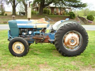 3000 Ford Diesel 2wd Power Steering Tractor photo