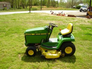 John Deere Lx 173 Riding Mower photo