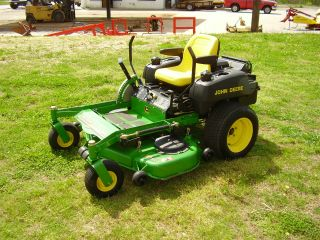 M 653 John Deere Zero Turn Mower photo