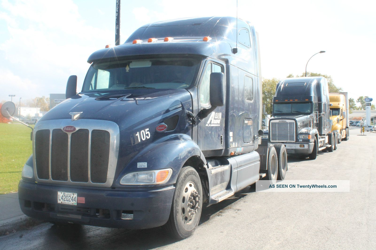 2004 Peterbilt Truck 387 Engine Type : 13 C,  10 Spd Transmission,  Automatic, Sleeper Semi Trucks photo