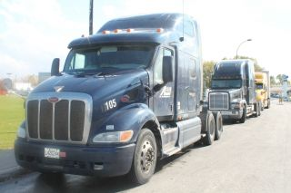 2004 Peterbilt Truck 387 Engine Type : 13 C,  10 Spd Transmission,  Automatic, photo
