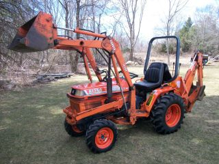 Kubota B1750 Tractor Loader Backhoe Well Maintained Diesel 4x4 Hydrostatic photo