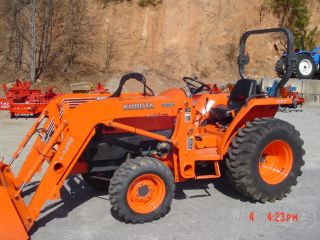 Kubota L3400 4x4 Loader Hydrostat 85 Hours photo