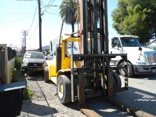 Hyster Heavy Duty Diesel Forklift 30 000 Lbs Capacity photo