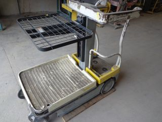 Crown Wav50 - 84 Two Stage Electric - Electric Order Picker photo