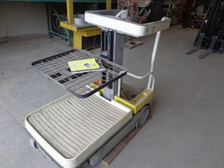 Electric Order Picker Crown Wav50 - 84 Two Stage Electric photo