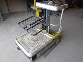 Two Stage Electric Order Picker Crown Wav50 - 84 photo