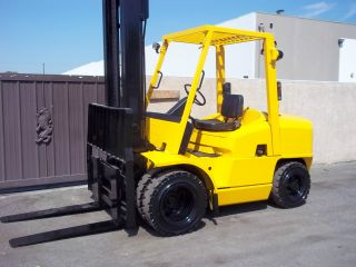 Hyster Forklift 9000lb Capacity 2002 Perkins Diesel Engine Pneumatic Side - Shift photo