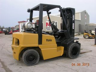 2002 Yale 8000 Lb Pneumatic Tire Forklift 3 Stage And Side Shift photo