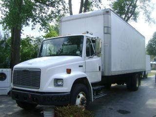 2002 Freightliner Fl 70 photo