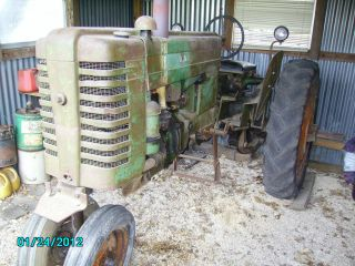 1952 John Deere Mt200 Tractor photo