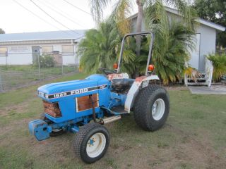 Ford 1620 Hst Diesel Compact Tractor 4 Wheel Drive Turf Tires Runs Good photo