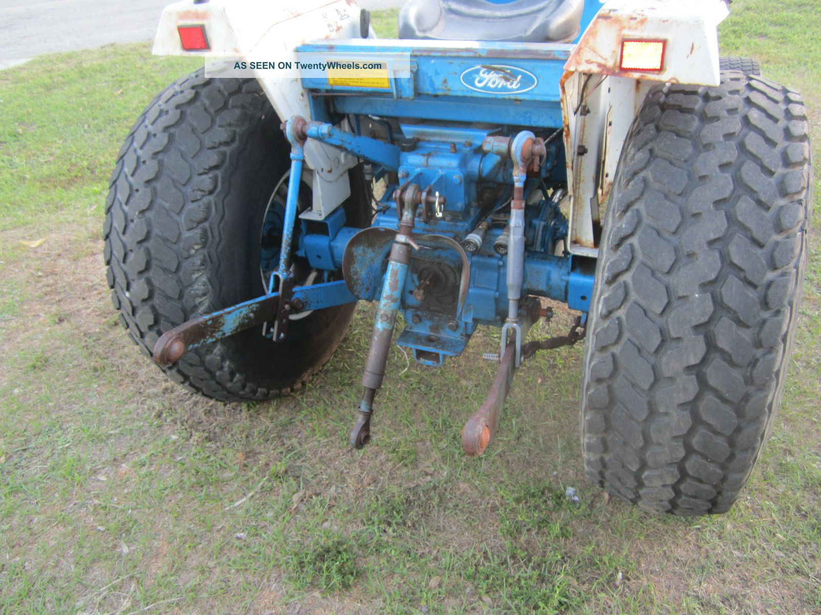 Compact Tractor Tires And Wheels : Ford hst diesel compact tractor wheel drive turf