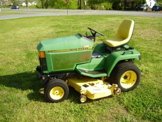 John Deere 425 Riding Mower With Power Steering photo