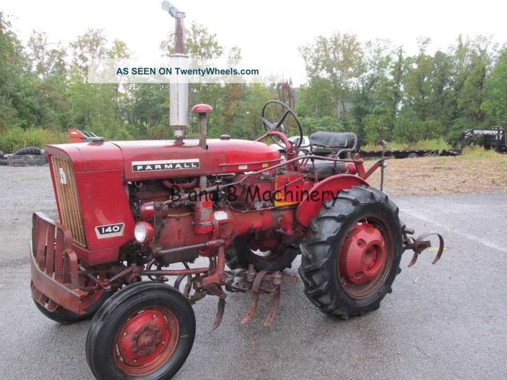 International Farmall 140 Tractor W/cultivators Tractors photo