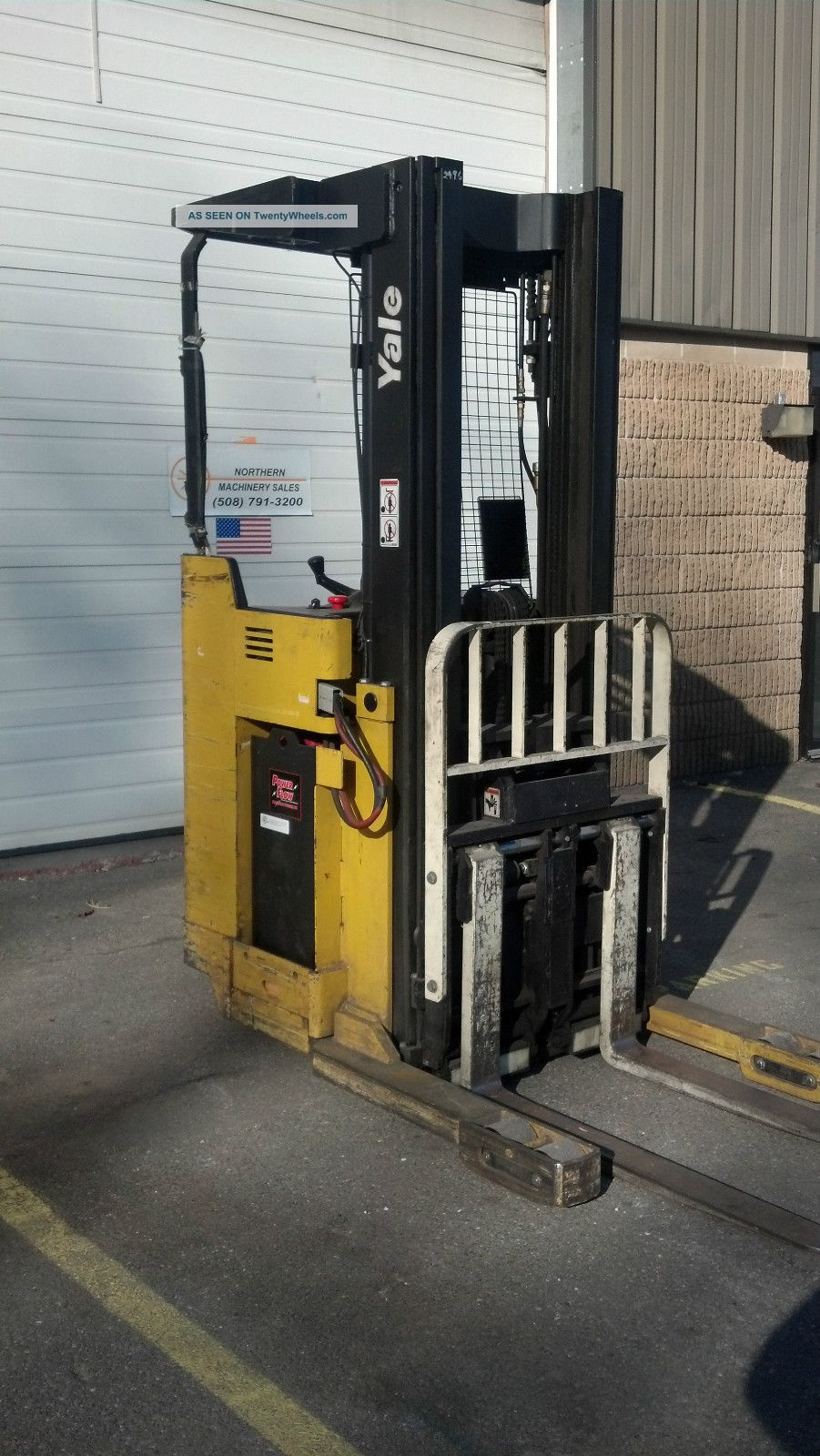 Yale Aisle Lift 3500lb Model Nro35ad W Side Shift,  Reach,  And Charger Forklifts & Other Lifts photo