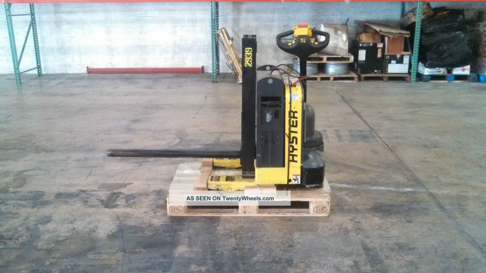 Hyster W40z Pallet Jack Carpet Pole Paper Roll Pole Mini Mast Forklifts & Other Lifts photo