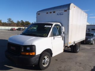 2005 Gmc 3500 Box Van photo