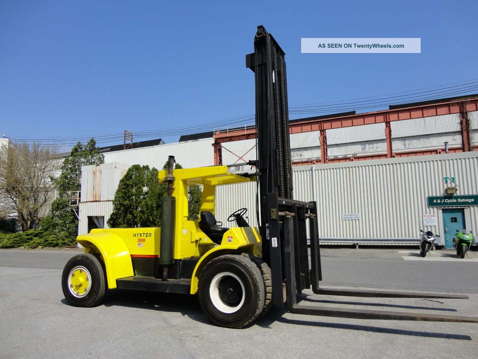 Hyster 30,  000 Forklift Diesel Pnuematic Fork Lift Truck - Just Rebuilt Forklifts & Other Lifts photo