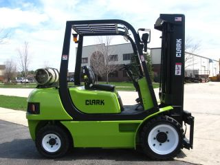 2001 Clark Cmp30 Forklift 6000lb Pneumatic Lift Truck Hi Lo photo