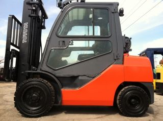 2008 Toyota Pneumatic 6000 Lb 8fgu30 Full Cab Forklift Lift Truck photo