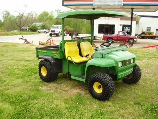 John Deere 4 X 2 Gator Runs Good photo