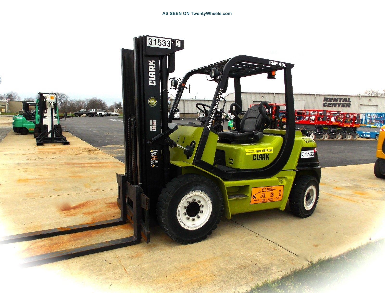 31533 Clark Cmp40l,  8,  000 Lb Capacity Solid Pneumatic Forklift Forklifts & Other Lifts photo